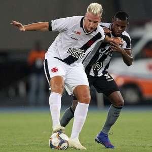Acusado de racismo, Maxi López publica fotos com jogadores negros e recebe apoio de Rossi