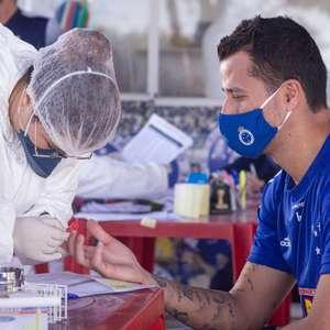 Profissionais do Cruzeiro realizam exames para detecção da covid-19