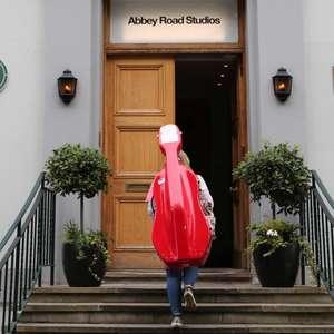 Estúdios de Abbey Road reabrem após hiato da Covid-19