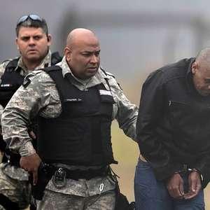 Adélio agiu sozinho em atentado contra Bolsonaro, diz MPF ao pedir arquivamento provisório de 2º inquérito