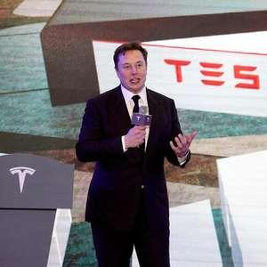Elon Musk pede que Amazon seja dividida