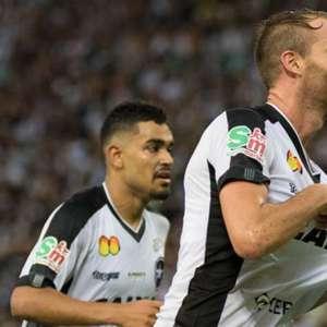 Joel Carli deixa o Botafogo como terceiro estrangeiro que mais vestiu a camisa do Glorioso