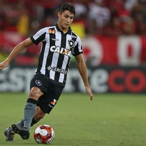 Montenegro fala sobre renovação de Marcinho com o Botafogo