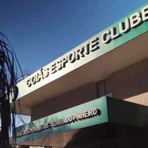 Três jogadores e cinco funcionários do Goiás estão com coronavírus