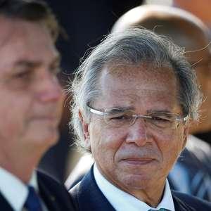 Bolsonaro diz que acertou com Guedes 4ª e 5ª parcelas de auxílio emergencial, mas em valor menor