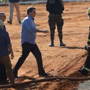 """""""Acabou matéria do JN"""", diz Bolsonaro sobre atraso de dados"""
