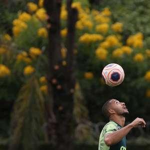 Vitor Hugo elogia treino e quer voltar 'a dar alegria para a torcida'