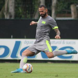Leandro Castán confirma atraso salarial no Vasco desde meio de 2019