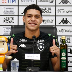 Luís Henrique fala em foco no clube após sondagens de europeus