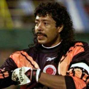 Ex-goleiro Higuita conta que foi pressionado a entregar Pablo Escobar