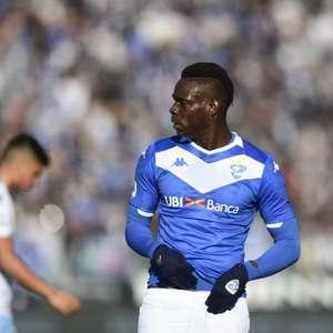 Brescia quer rescindir contrato de Balotelli após polêmicas