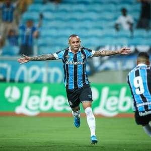 Site coloca mais um clube da Europa interessado em Everton Cebolinha