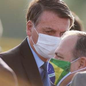 Bolsonaro diz que Pazzuello não fica no Ministério da Saúde