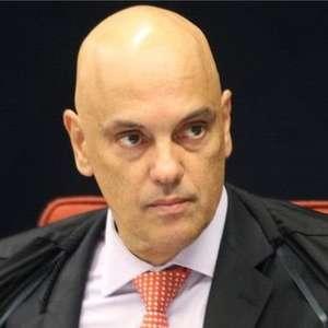 Moraes pede bloqueio mundial de contas no Twitter e Facebook