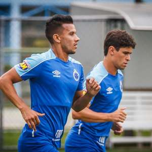 Henrique, do Cruzeiro, sofre acidente de carro em Brumadinho e é levado para hospital em BH