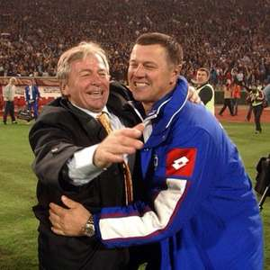 Técnico da Sérvia e Montenegro na Copa de 2006 morre por covid-19 aos 74 anos