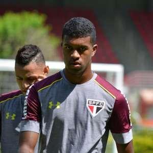 Léo Natel dá adeus ao São Paulo e chega nesta semana ao Corinthians