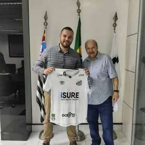 Santos simula patrocínio máster na camisa e foto vaza; entenda