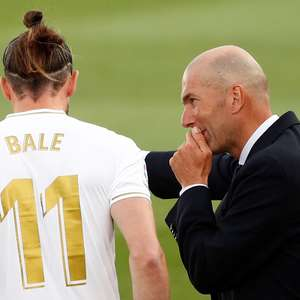 Ex-jogador diz que Zidane tem problema pessoal com Bale