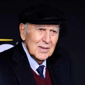 Comediante Carl Reiner morre aos 98 anos