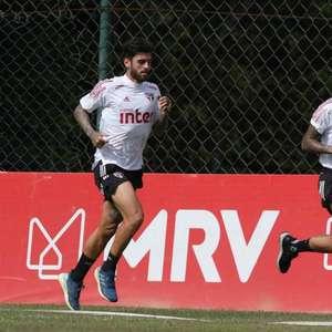 Com Gonzalo e Dani Alves de volta, São Paulo fecha período de testes
