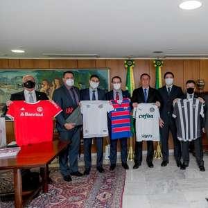 Bolsonaro recebe presidentes de oito clubes da série A