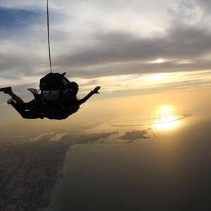 Como é a preparação para virar paraquedista profissional?