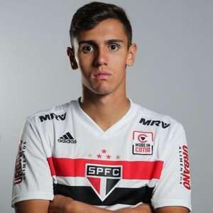 São Paulo se surpreende com pedido de rescisão de zagueiro cotado para jogar no profissional