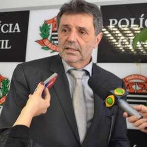 Delegado que prendeu Queiroz passa a integrar comissão no Santos