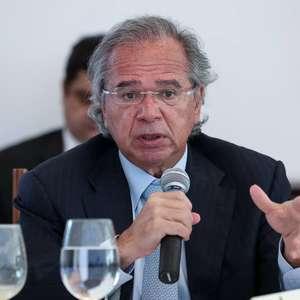 """Bolsonaro está """"determinado"""" em tocar reformas, diz Guedes"""