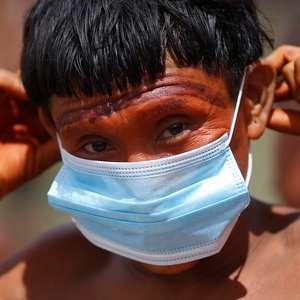 Militares distribuem máscaras para índios isolados da ...