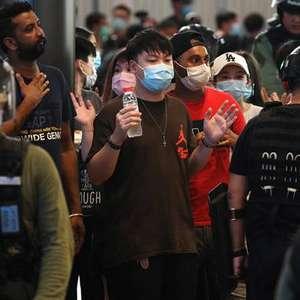 China ameaça EUA e Reino Unido por ações a favor de Hong ...