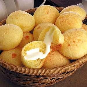Pão de queijo recheado: 7 ideias que vão te fazer delirar