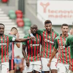 Com gol de falta, Marítimo vence Santa Clara no ...