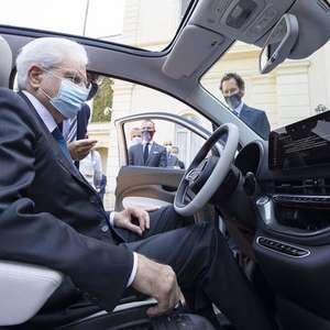 FCA apresenta Fiat 500 elétrico para Conte e Mattarella