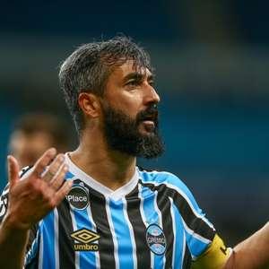 Douglas relembra gol especial com a camisa do Grêmio
