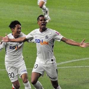 Douglas Vieira projeta retorno no futebol do Japão em ...