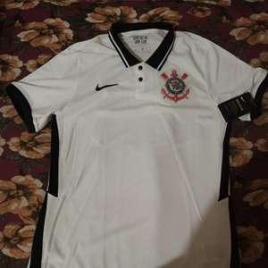 Vaza na web suposto modelo da nova camisa 1 do Corinthians