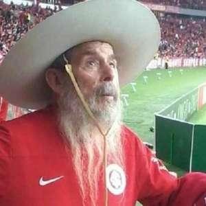 'Gaúcho do Beira-Rio': Torcedor símbolo do Inter morre aos 85 anos