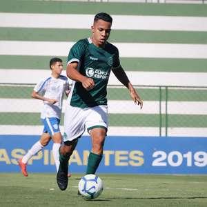 Volante do Goiás fala sobre volta do futebol