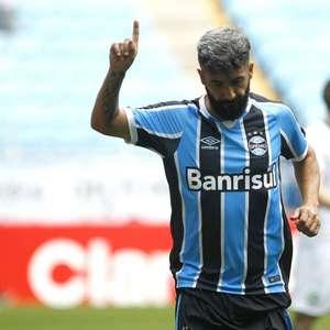 Hoje no Brasiliense, Douglas relembra gol importante no ...