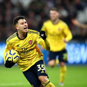 Martinelli assina renovação com o Arsenal