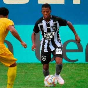 Ênio revela em inspiração em Robinho e afirma: 'O Botafogo precisa conquistar títulos'