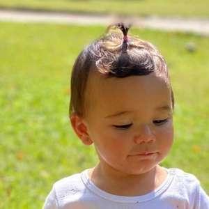 Filha de Ticiane Pinheiro, Manuella se esbalda em ...