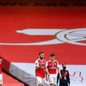 Sonhando com vaga na Champions, Arsenal recebe Leicester
