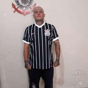 Suposta nova camisa listrada do Corinthians é vazada; ...