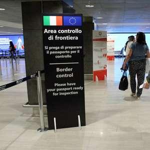 Itália estuda testar viajantes de fora da UE para ...