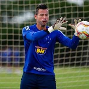 Fábio, próximo dos 900 jogos pelo Cruzeiro, elogia ...