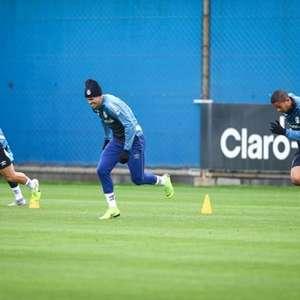 Com proibição de treinos coletivos, Grêmio trabalha parte física e técnica em Porto Alegre