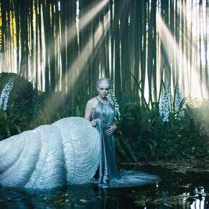 Dior lança alta-costura em filme com minivestidos e ninfas